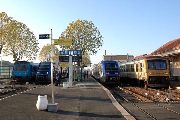 L'heure de pointe en gare de Paray le Monial.