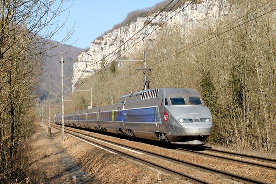 Rame TGV Atlantique en livrée Lacroix