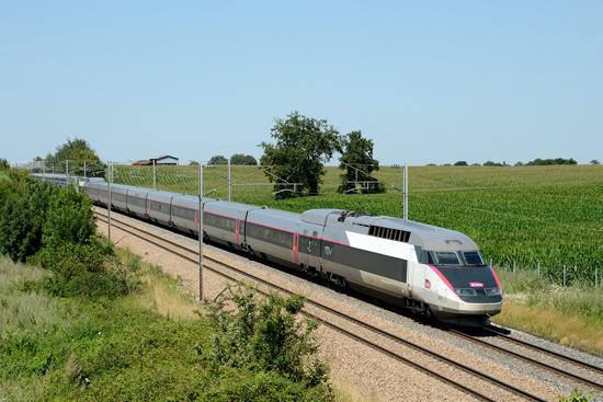 Rame TGV Réseau en livrée Carmillon