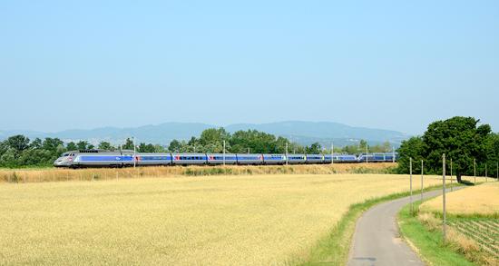 Rame TGV Réseau en livrée Lacroix