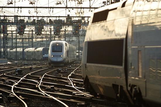 Des TGV Duplex sur les aiguilles de la gare de Lyon Perrache.