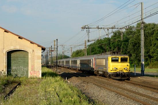 Le TER 17756 en gare de Pontanevaux-La Chapelle