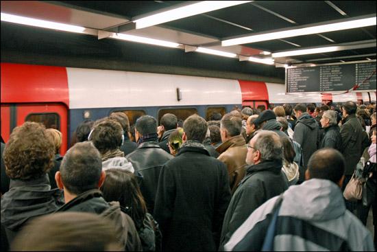 Jour de grève sur le réseau parisien ( CC-BY Jean Pierre Dalbéra )